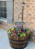 37 beautiful spring front porch decorating ideas