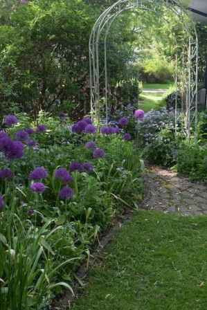 59 beautiful small cottage garden ideas for backyard inspiration
