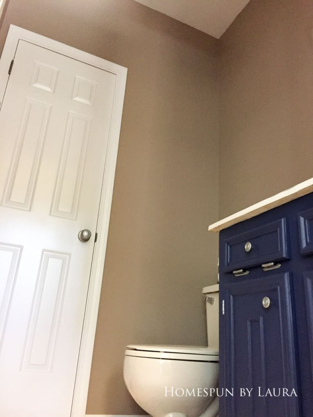 $75 DIY Powder Room (and Pantry!) Update: One Room Challenge Week 3 | Homespun by Laura | Transforming a half bathroom from floor to ceiling with paint and persistence
