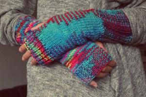 hands, gloves, knitting