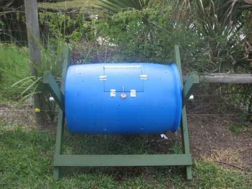3-genius-homestead-uses-for-55-gallon-plastic-barrels
