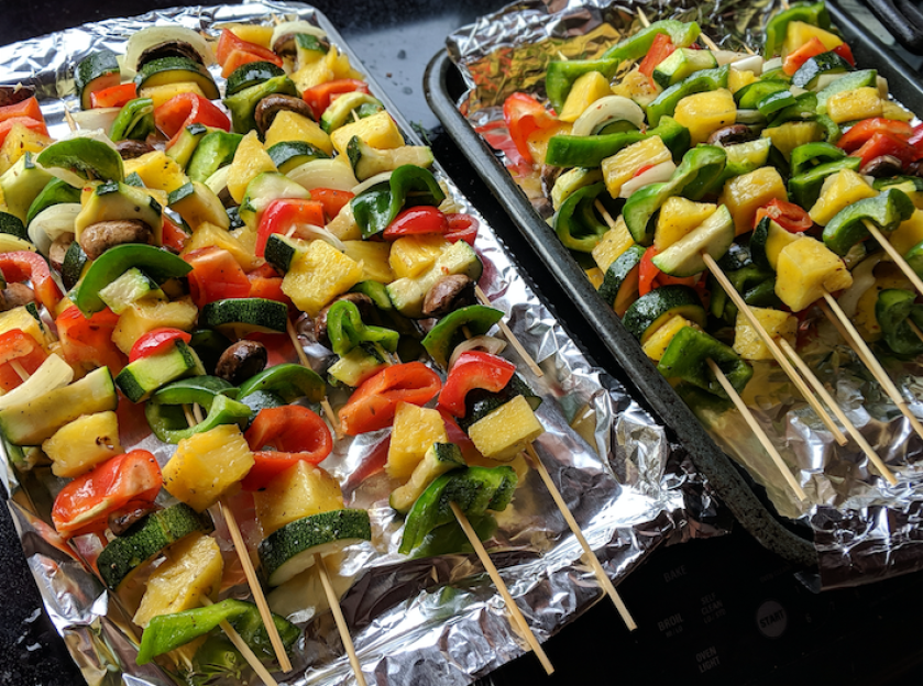 cook vegetable kabobs in oven marinated vegetables for super bowl sunday party gathering entertianing summer bbq recipes healthy vegan gluten free whole30 party foods