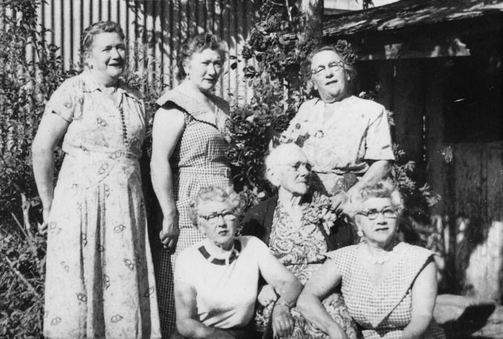 Emelda Lugo Rozas and daughters