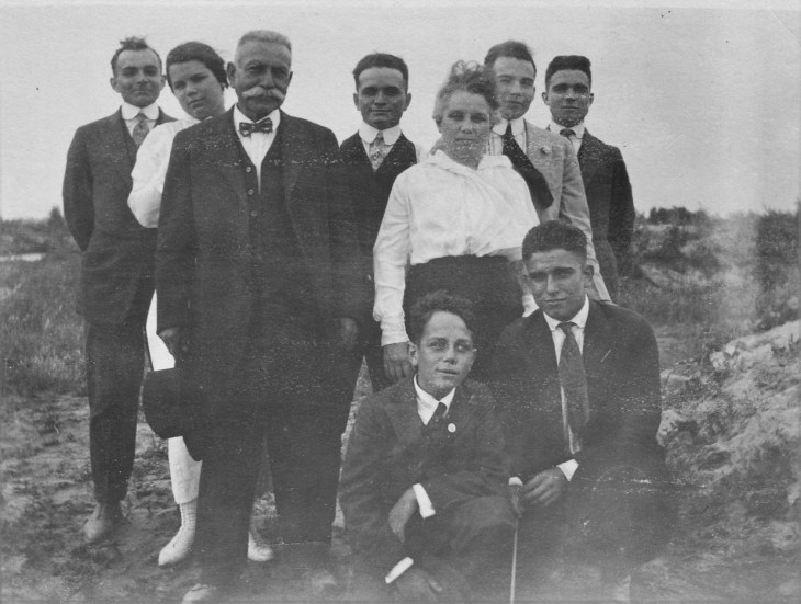 jh-temple-family-1910s