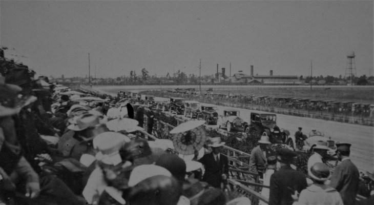 grandstand-at-la-auto-race-1921