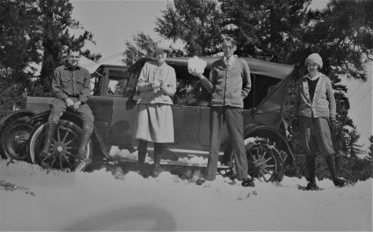 group-in-snow-sg-mtns-1920s