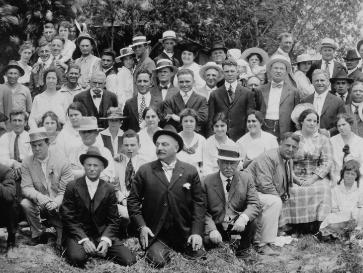 JH Temple & others 1917 barbeque