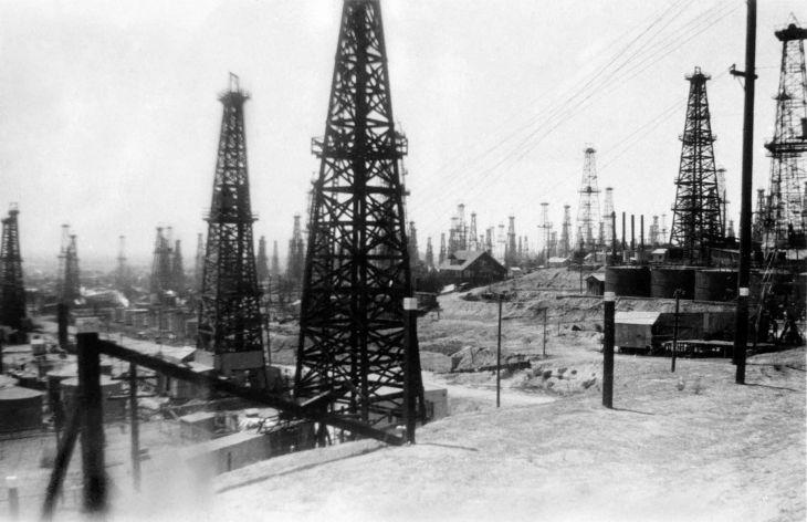 Los Angeles Area Oil Field 2010.64.1.1