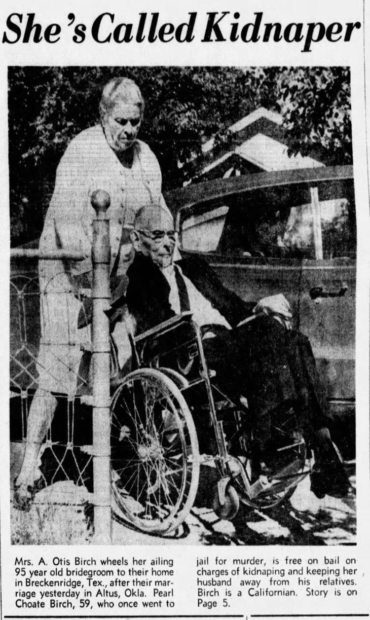 The_San_Francisco_Examiner_Fri__Oct_28__1966_.jpg