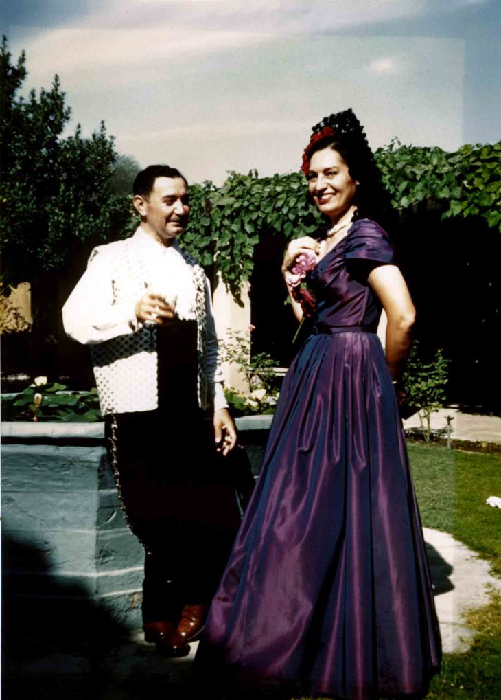 Thomas W II And Gabriela Temple At Mission San Gabriel ca 1952 80.19.62.1