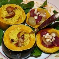 Purer Herbst-Genuss: Gefüllter Minikürbis mit geschmorten Weintrauben