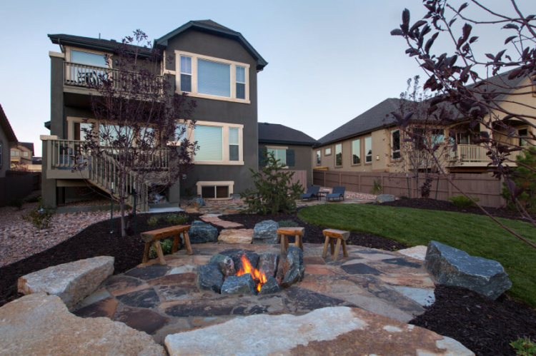 44 Outdoor Fire Pit Seating Ideas Photos