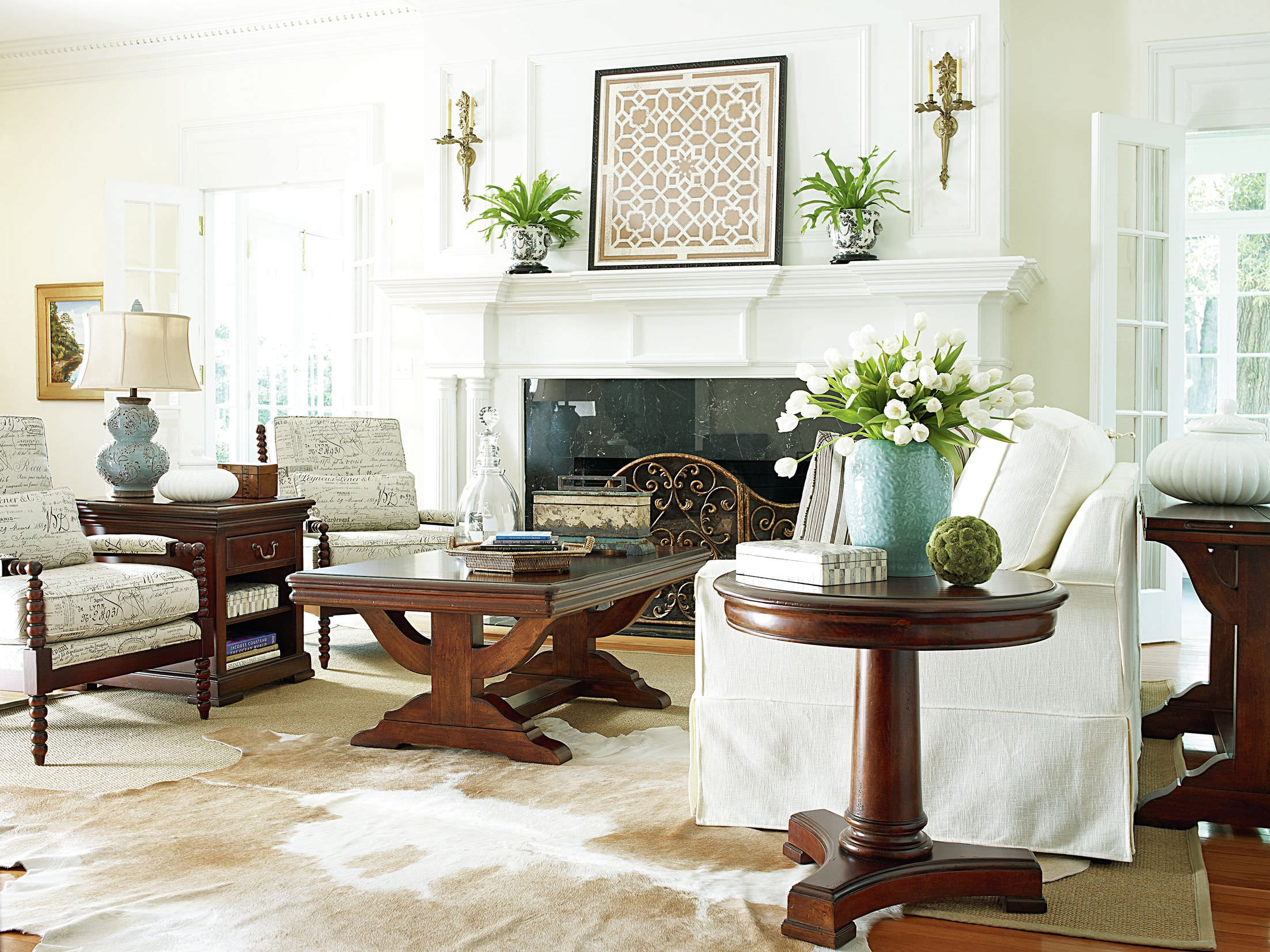 white furniture sofas and chairs