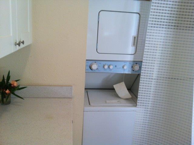 Laundry Area (Detached Studio)