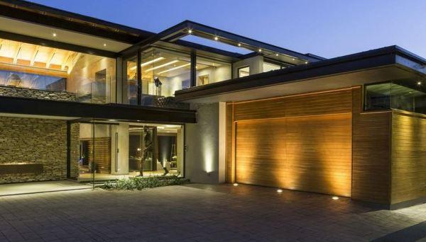 Modern style home in Atlanta Oak Grove Community