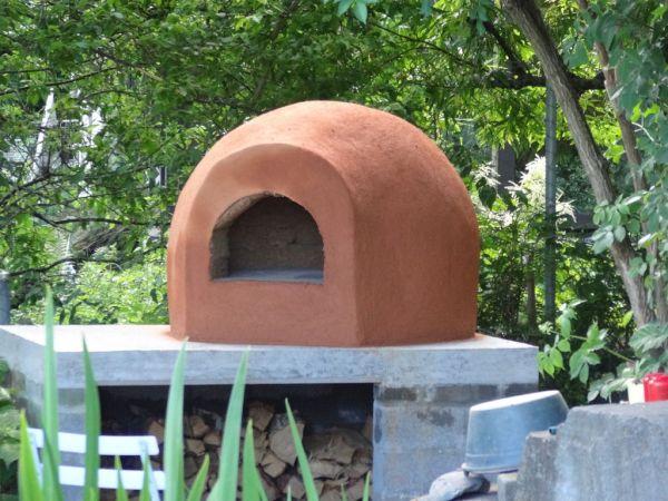Adobe Dome pizza oven