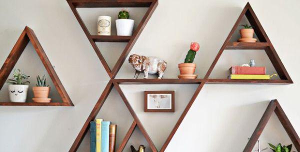 Floating shelves in pyramidal shape