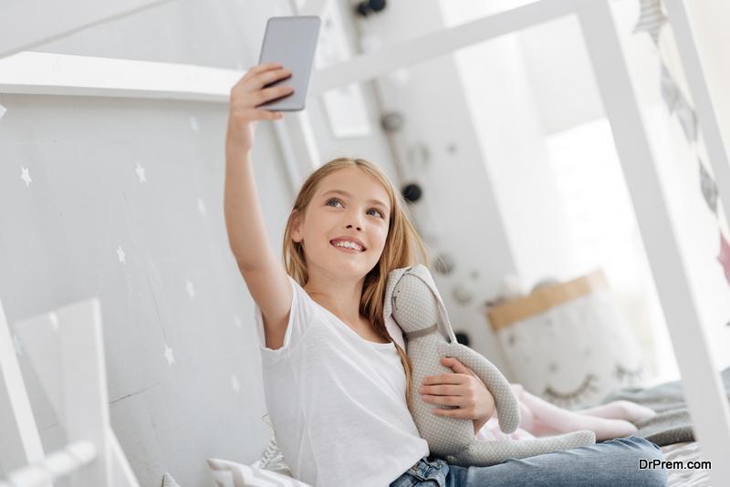 make your bedroom selfie-friendly