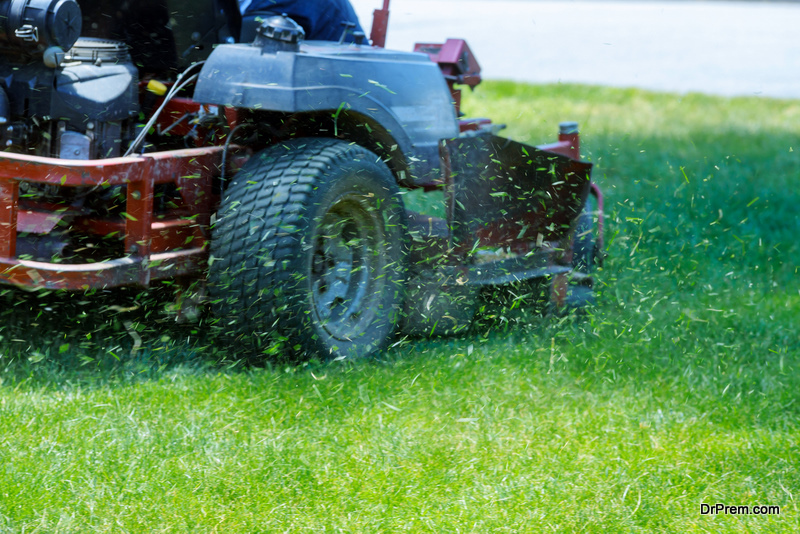 You Should Buy a Commercial Lawn Mower