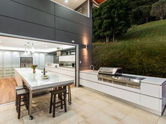 Modern Style Outdoor Kitchen .jpg