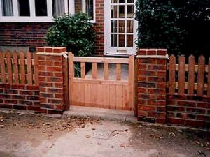 Awesome Garden Fencing Ideas For You to Consider 13
