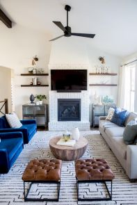 50 ++ Amazing Living Room Designs With Floating Shelves 36