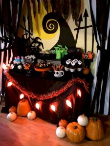 Amazing Spooky Halloween Decorations For One Ghostly Atmosphere 1