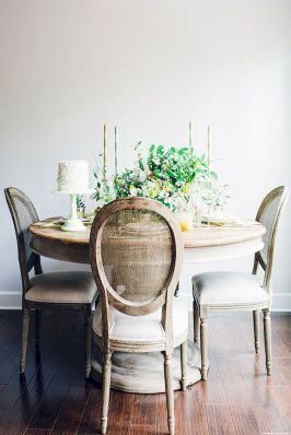 Round Dining Room Tables Decoration Ideas 22