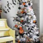 Vintage Halloween Decorating Farmhouse For Spooky Home 22