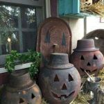Vintage Halloween Decorating Farmhouse For Spooky Home 55