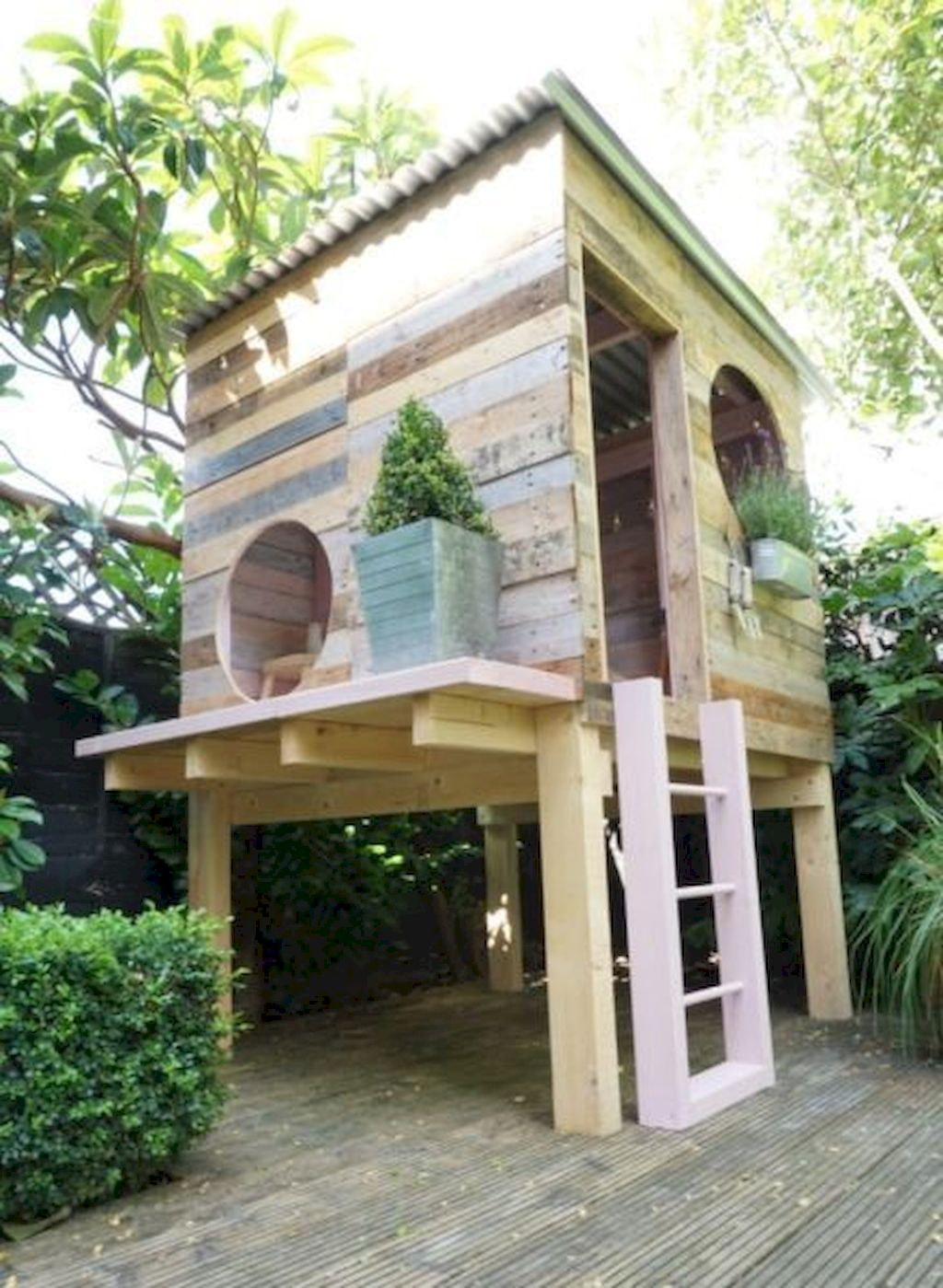 Amazing Playhouse Plan Into Your Existing Backyard Space