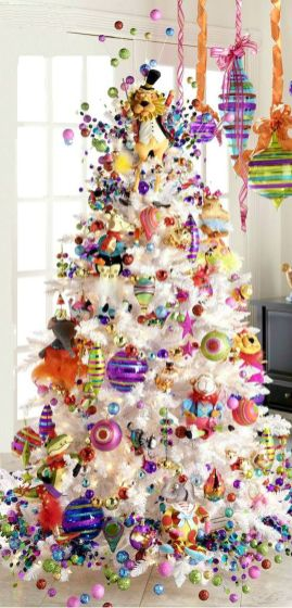Elegant Christmas Tree Decoration To Impress Your Guess