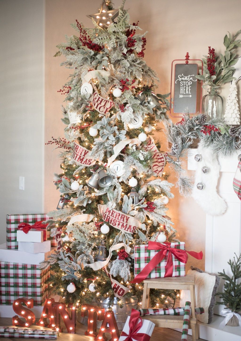 Fabulous Christmas Tree Decoration To Impress Your Guess