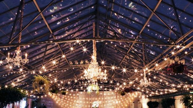 Gorgeous Beautiful Winter Wedding Decoration Ideas