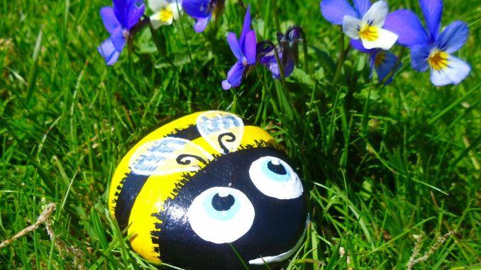 Painted Rock Bumble Bee.jpg