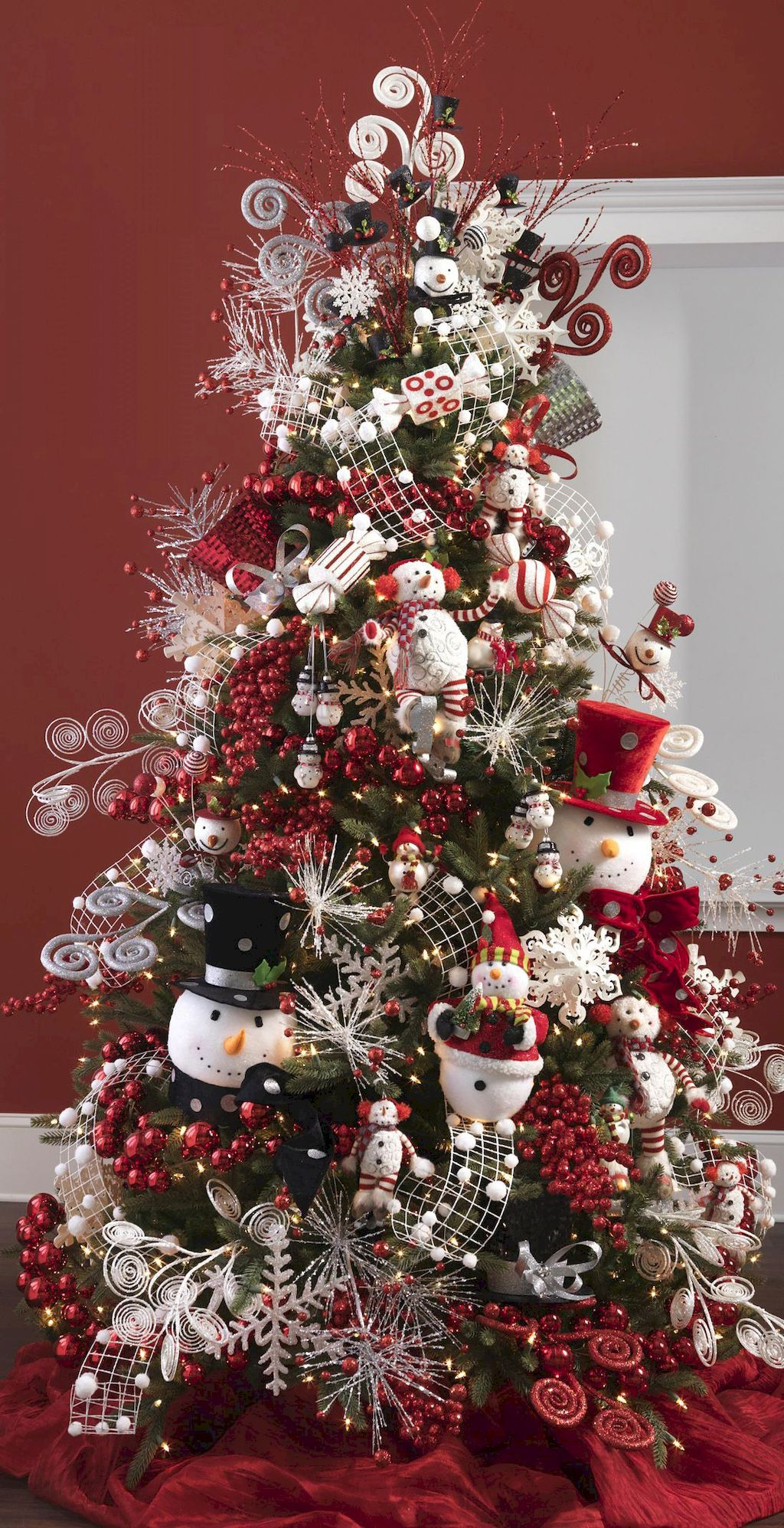 Shocking Christmas Tree Decoration To Impress Your Guess