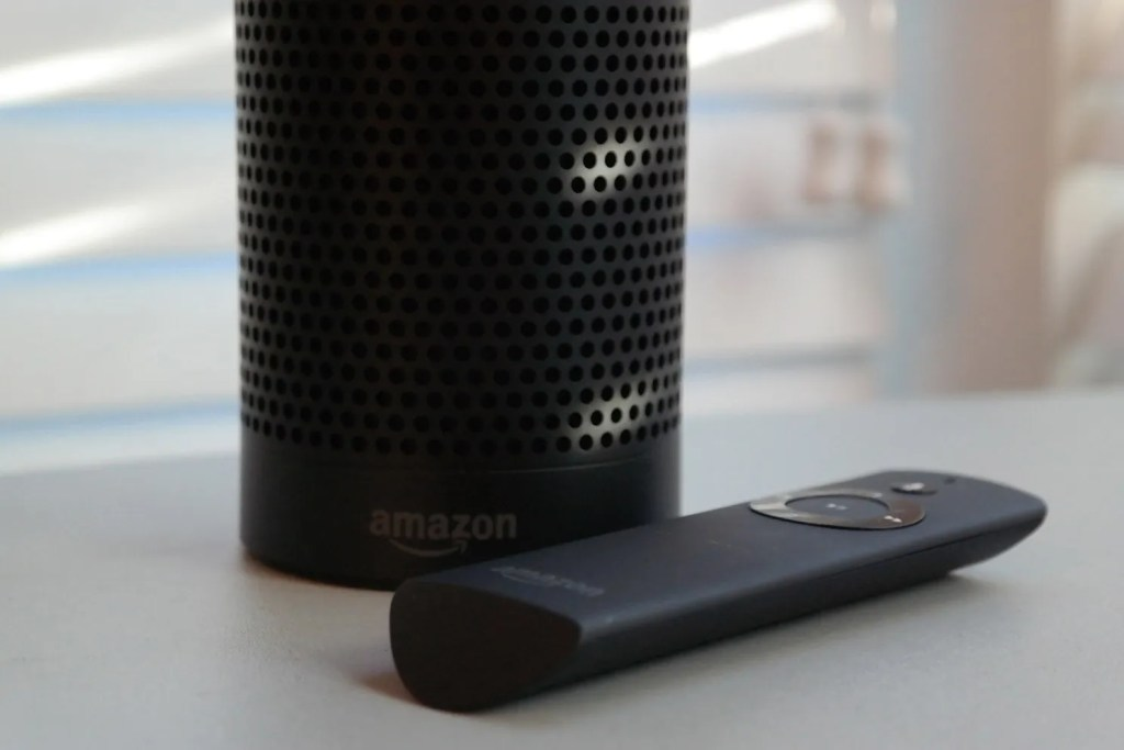 amazon_echo_and_remote