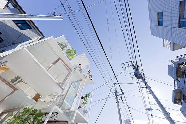 transparent house in japan 2