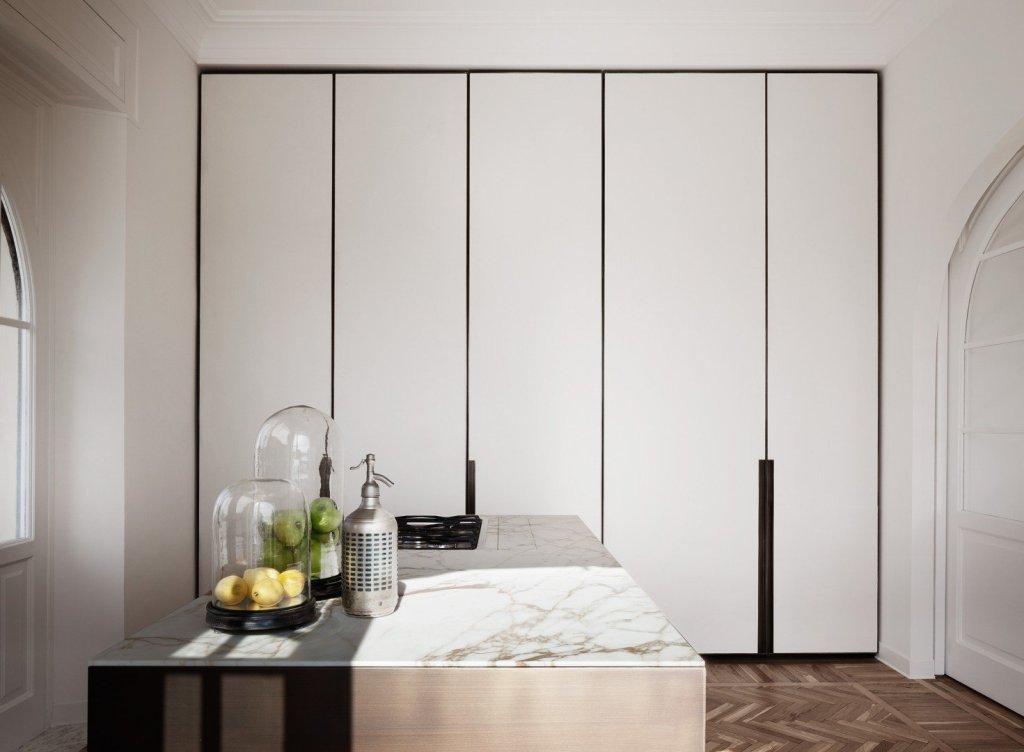 modern rome apartment large closet view