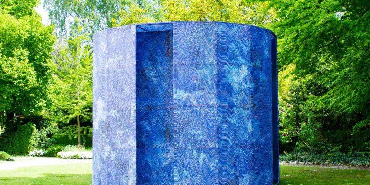 Blue Screen Temple Installation