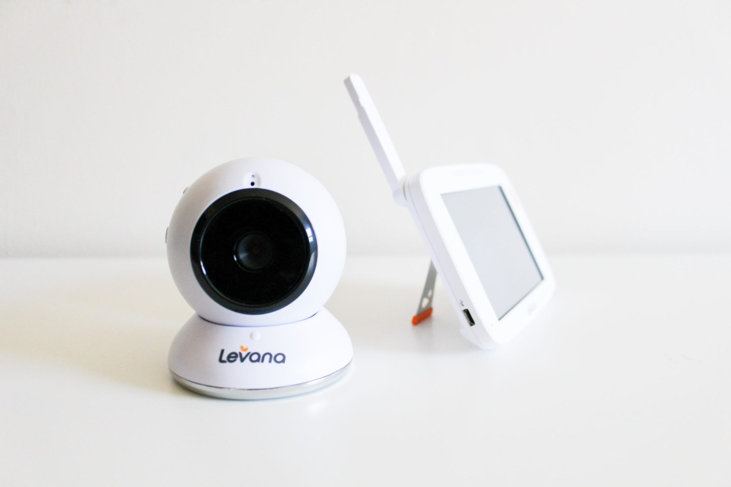 "Levana® Shiloh™ 5"" Video Baby Monitor Review"