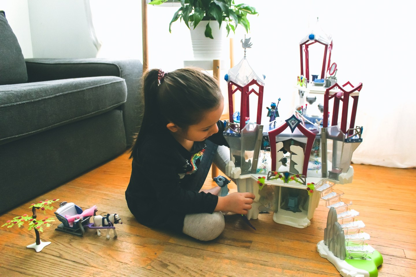 Playmobil Magic Set. Crystal Palace, Winter Phoenix & Sleigh with Royal Couple Review