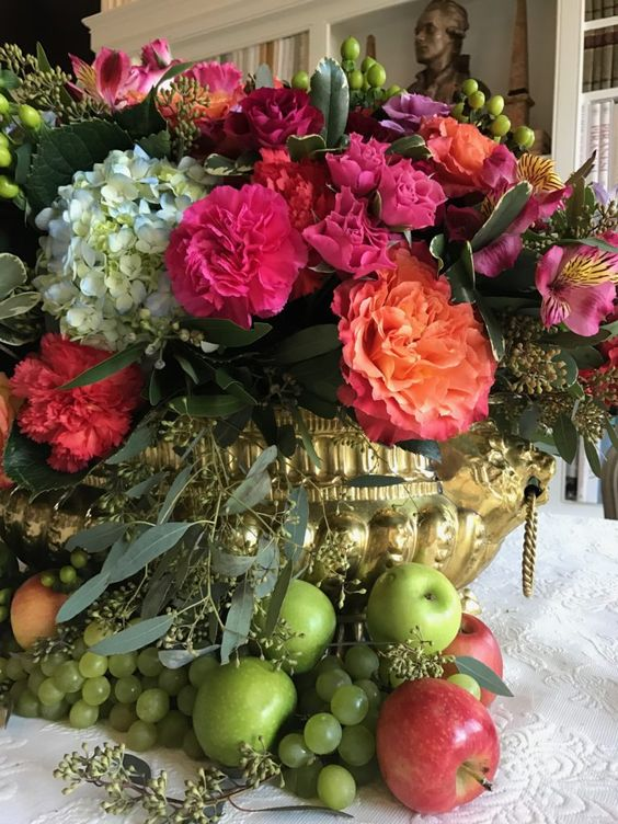 My Top Ten Posts of 2018 - Carolyne Roehm and Her Impeccable Style - Home with Holliday