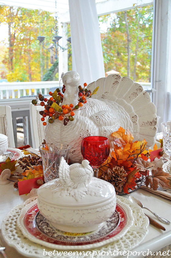 Creative Ideas for Fall or Thanksgiving Table Settings and Home Decor 16