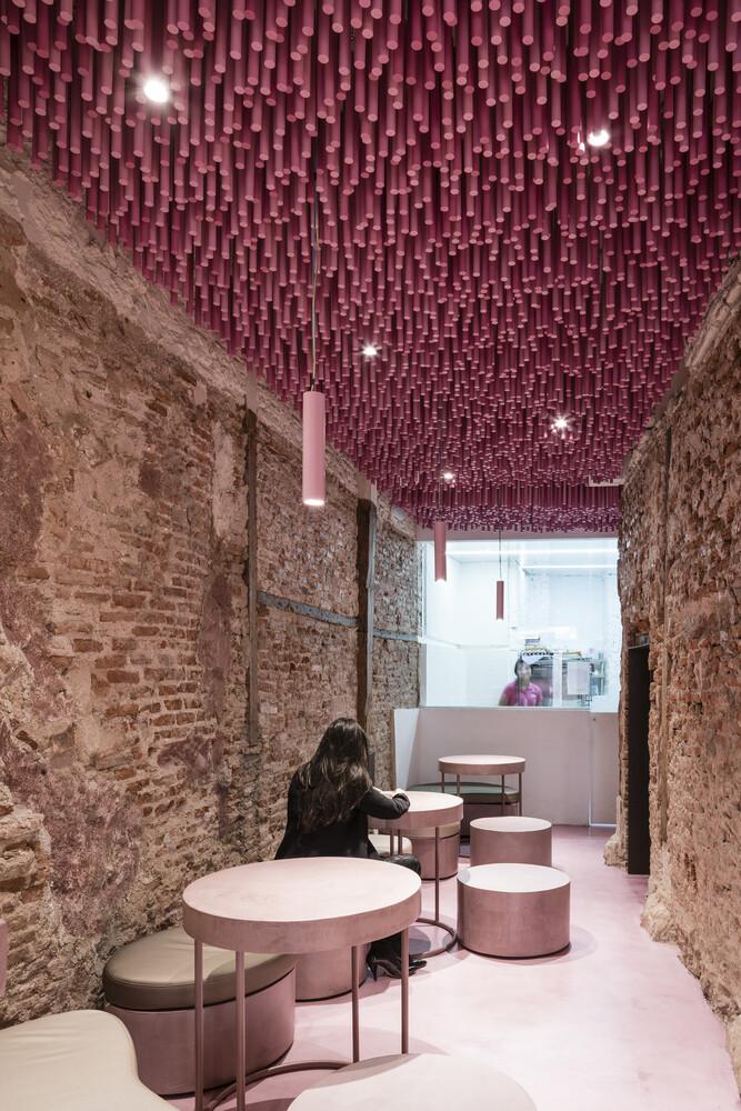 Cafe Interior Designer