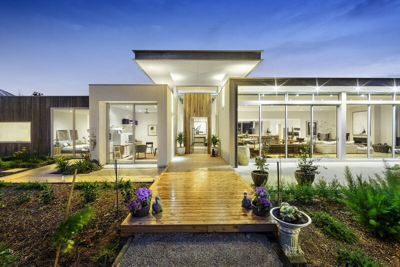 Eliza House: Innovative And Luxurious New Modern Residence