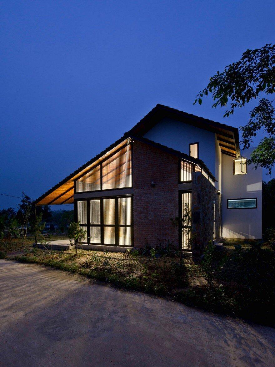 Folded Roof House Toob Studio
