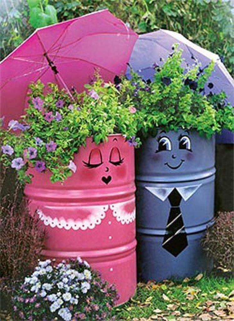 Diy recycle and upcycle for garden landscape 14 (source pinterest.com)
