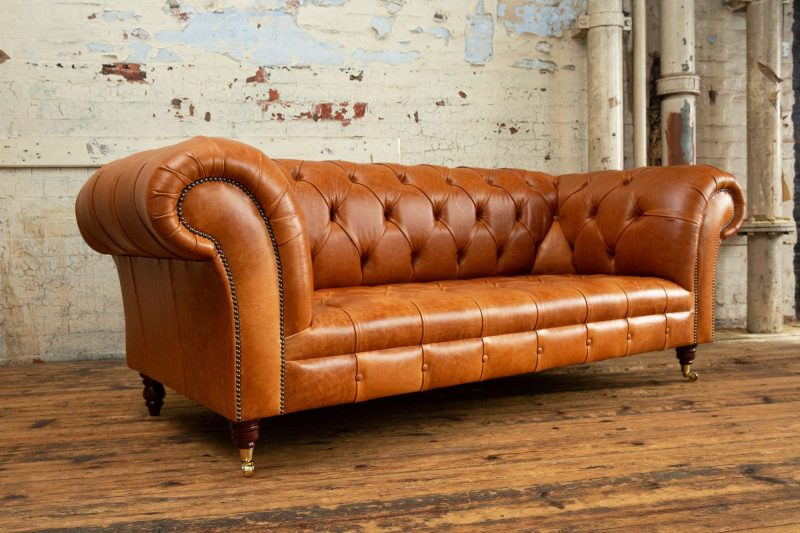 1930 Chesterfield Sofa | Chesterfield Sofas | Oswald & Pablo