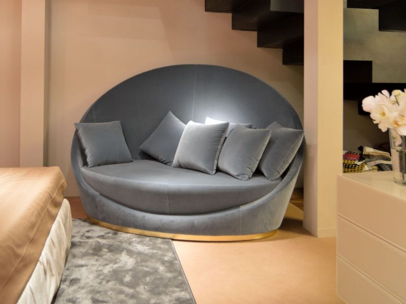Style Roundup – Decorating With Round Sofas And Couches